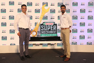 (L-R) Mr. Kedar Apte, VP-Marketing Castrol India Ltd and Ravindra Jadeja...