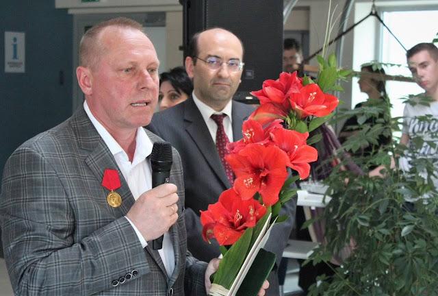 Capitán lituano galardonado por salvar oficial armenio en 2004