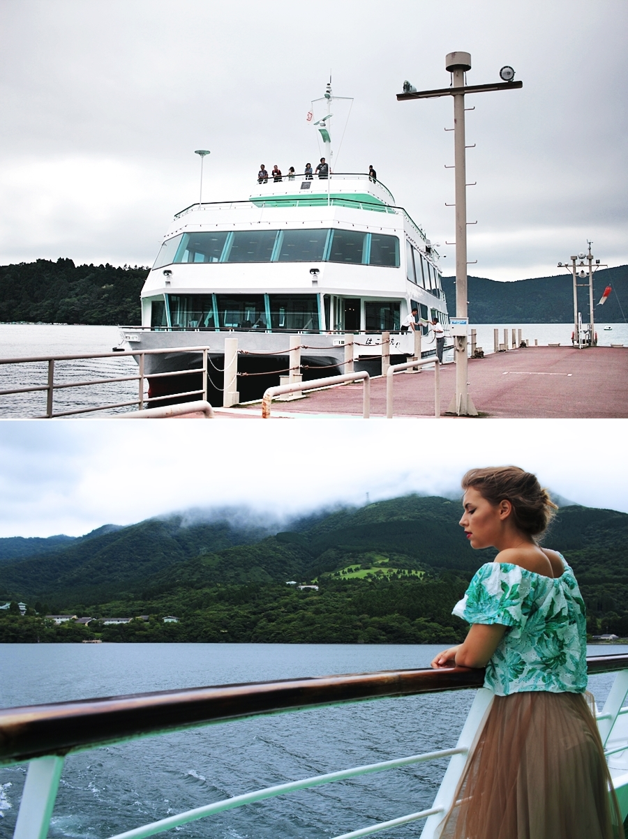 boat ferry girl me travel