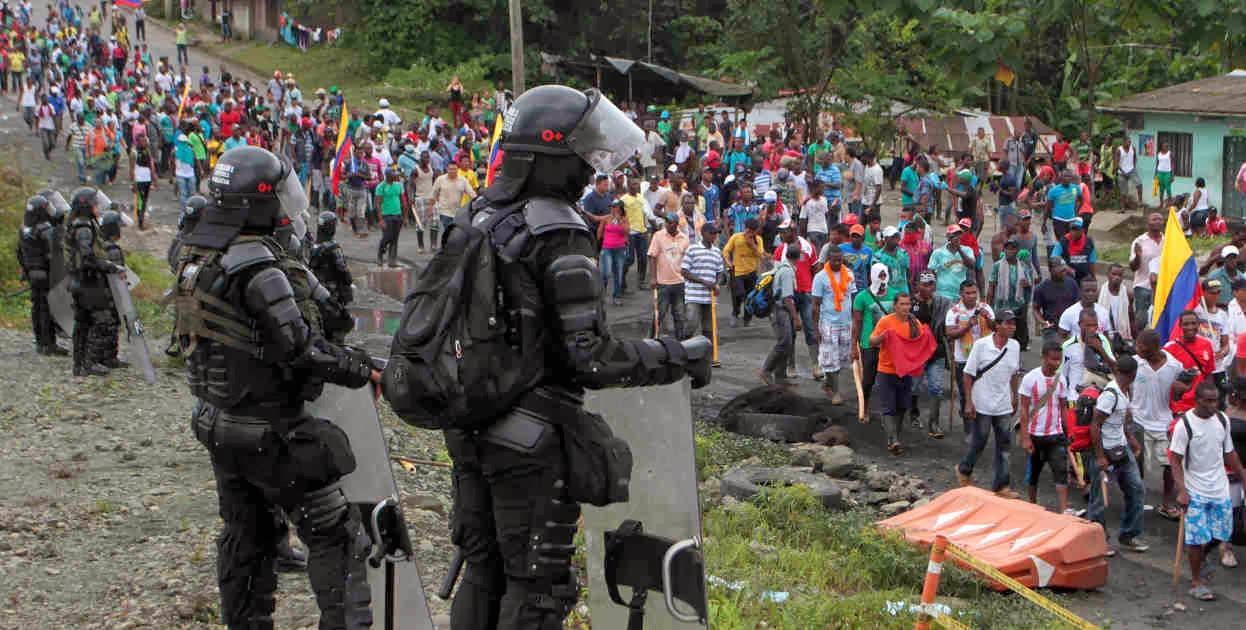 El Gobierno nacional responde con represión el paro regional del Cauca