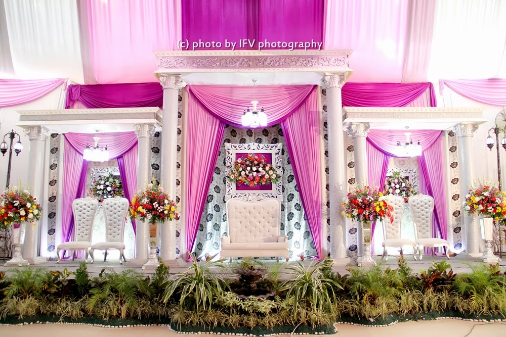 10 dekorasi pernikahan tema pink modern