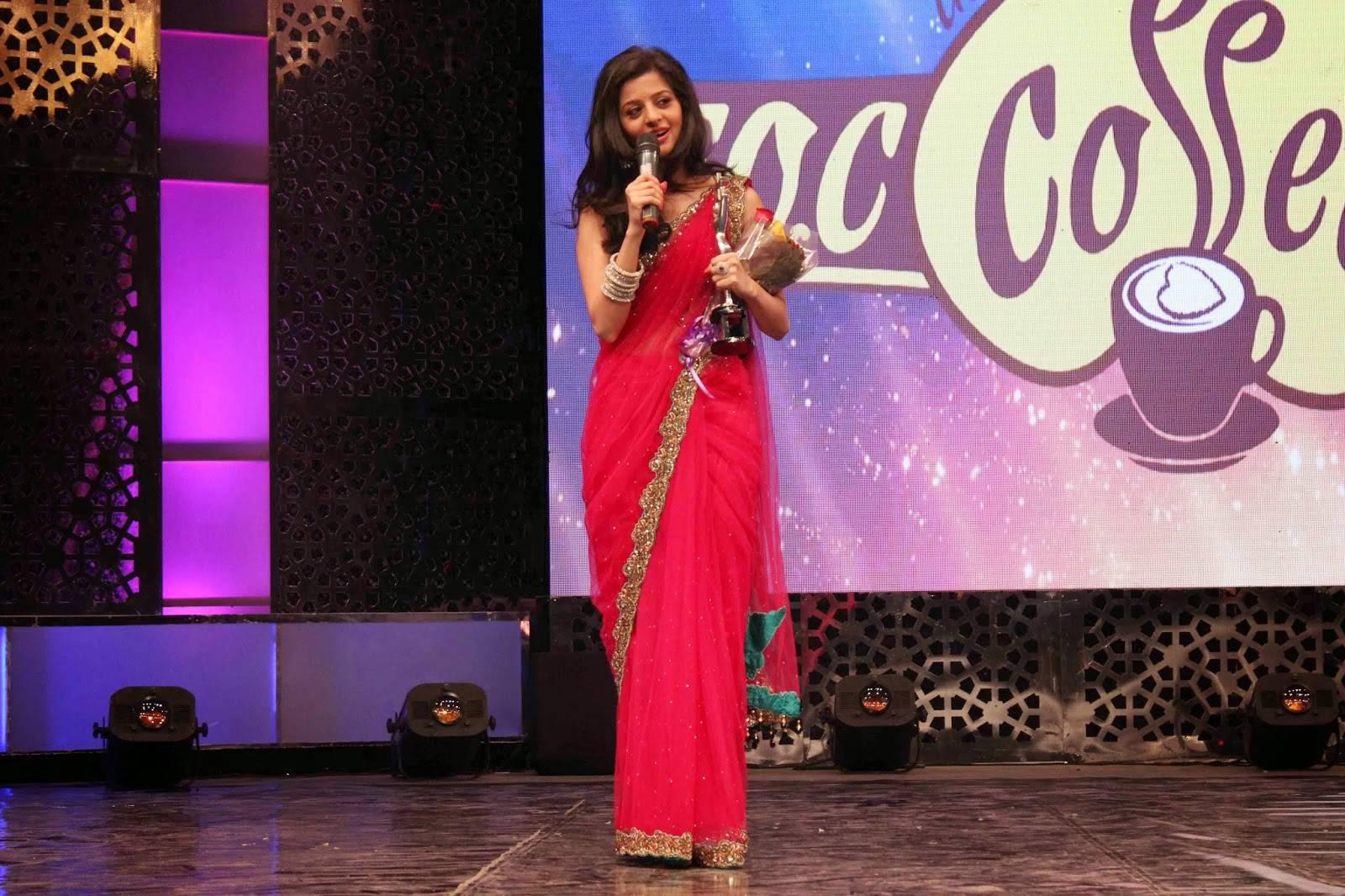 Vedika Spicy Look Photos In Pink Saree