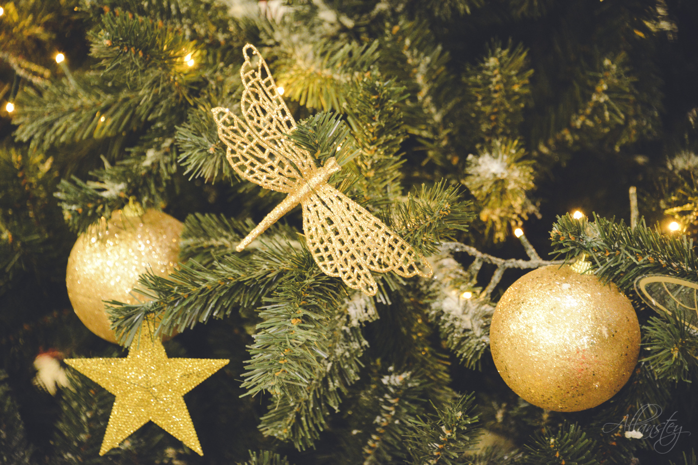 dragonfly Christmas tree decoration