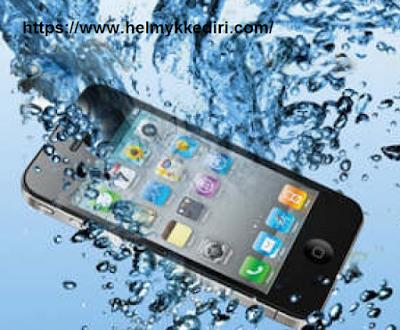 Jangan lakukan hal berikut pada ponsel basah