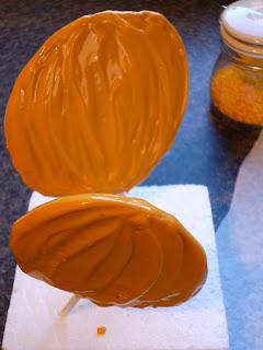 Halloween Pumpkin Chocolate Honeycomb lollipop recipe