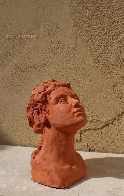 head, looking, upward, sarah, myers, sculpture, escultura, skulptur, scultura, terracotta, earthenware, ceramic, art, arte, kunst, face, gaze, woman, female, figurative, red, clay, modern, contemporary, artwork, side, glance, up