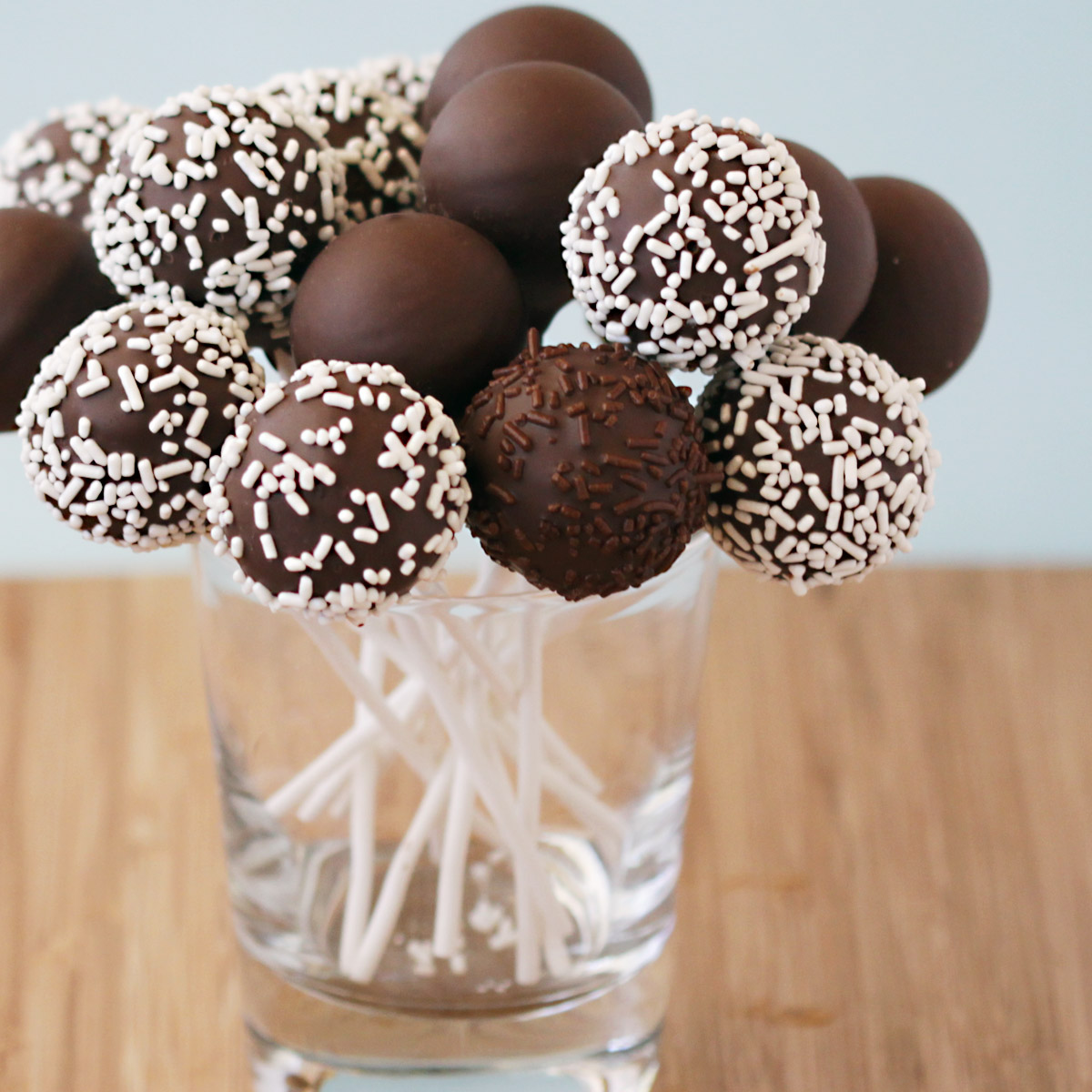 chocolate cake pops belos caramelle cake pop decorado 2829