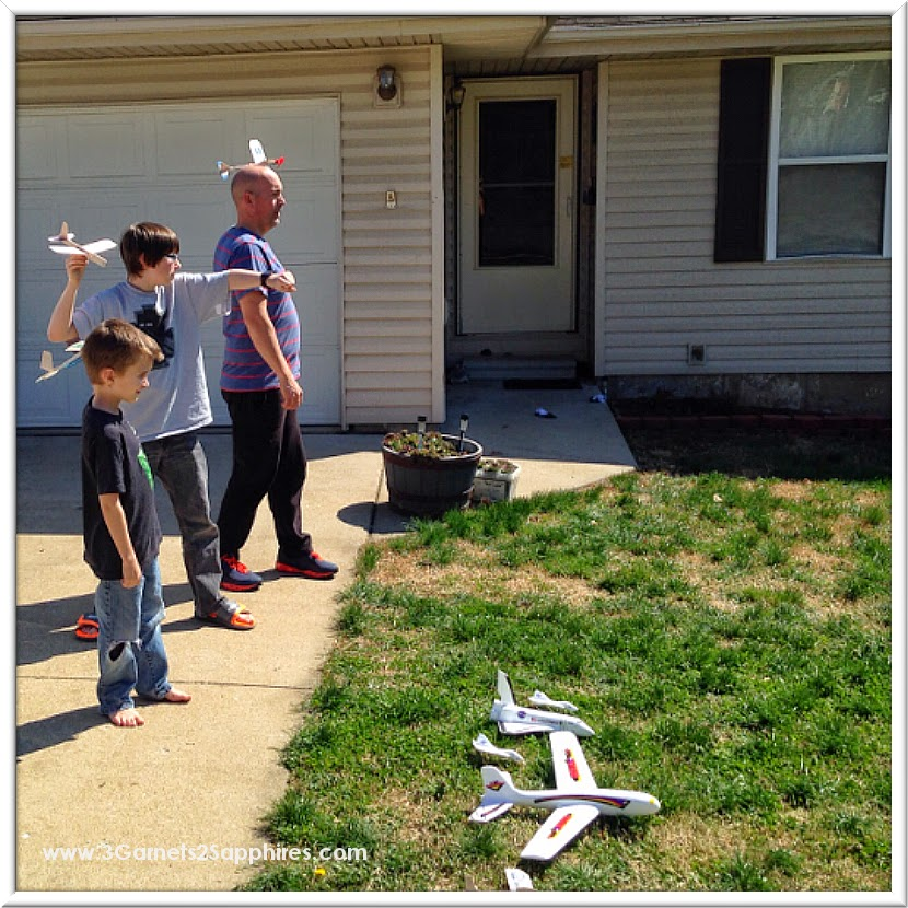 Family fun with easy-to-assemble Guillow's Gliders