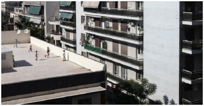 Τρίκαλα: 15χρονος έπεσε από ταράτσα και σκοτώθηκε! και άλλοι στην ηλικία του επισκεύαζαν μηχανές και ηλεκτρονικά!