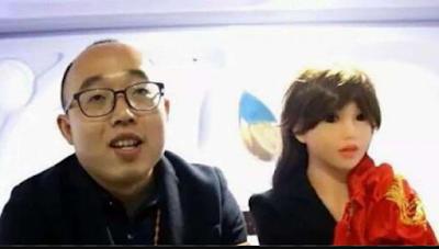 Frustrasi Tak Beristri, Pria China 'Nikahi' Robot Yang Dibuatnya Sendiri