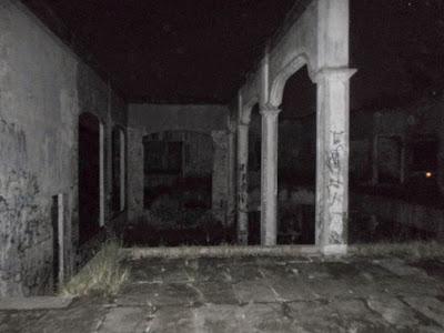 lantai 2 rumah hantu darmo