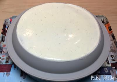 entremet miroir blanc, entremet vanille pommes et caramel beurre salé, entremet coeur coulant au caramel, glaçage miroir, crème vanille et fève tonka, compotée de pommes, gâteau mousse, dessert de fête