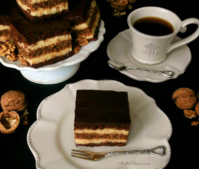 Marysieńka - Czekoladowe Ciasto z Warstwą Orzechową i Aksamitną Masą Budyniową - Przepis - Słodka Strona