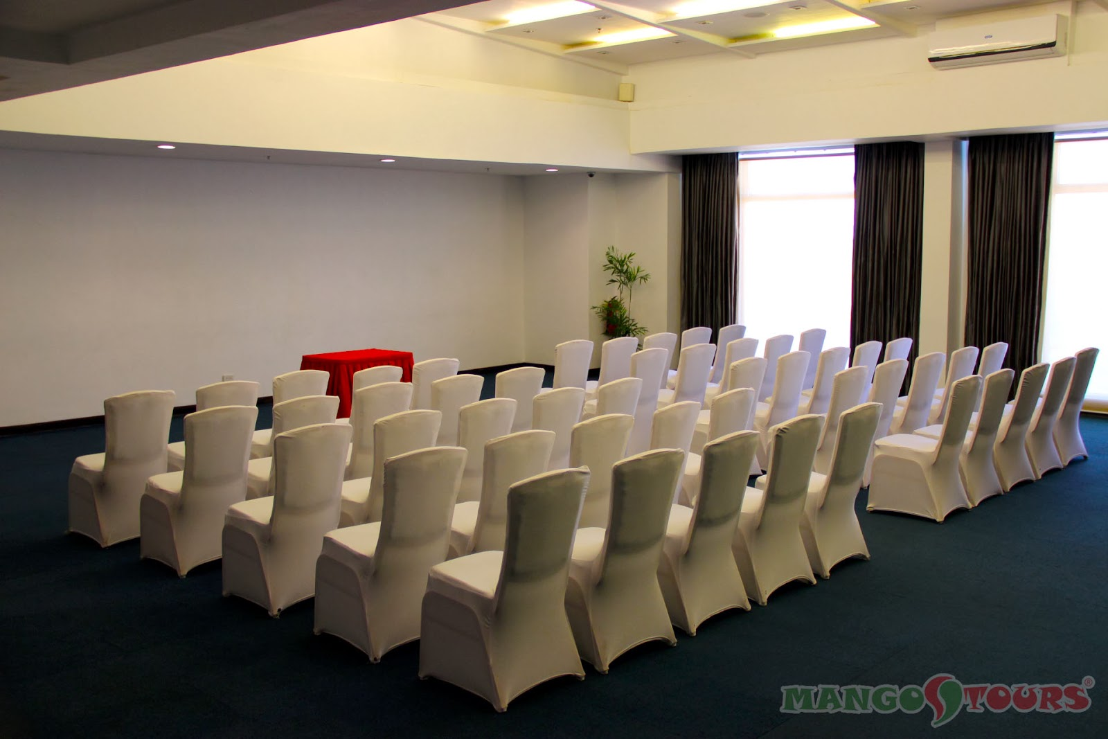 Mango Tours Microtel by Wyndham Mall of Asia Conference/Function Room