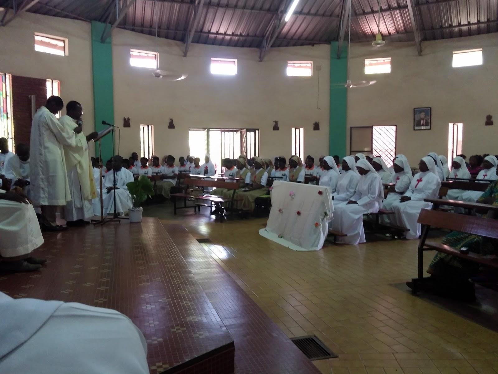 Burkina Faso: Ougadougou, più foto della Prima Professione delle nostre sorelle