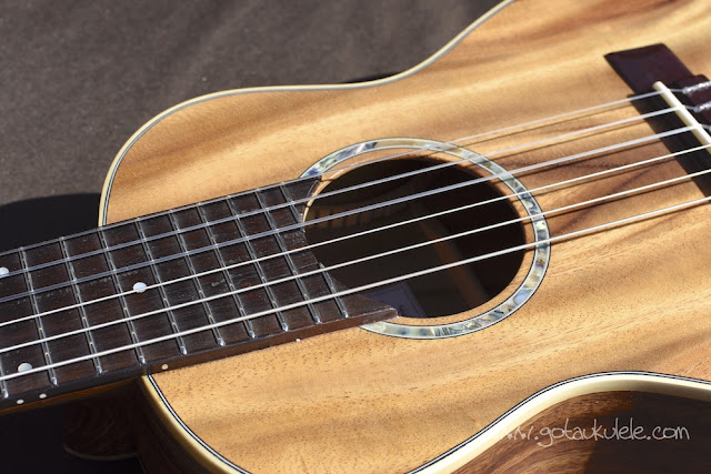 Noah Guitalele Ukulele sound hole