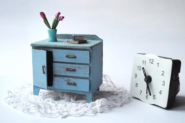 Niebieska komoda, Blue sideboard
