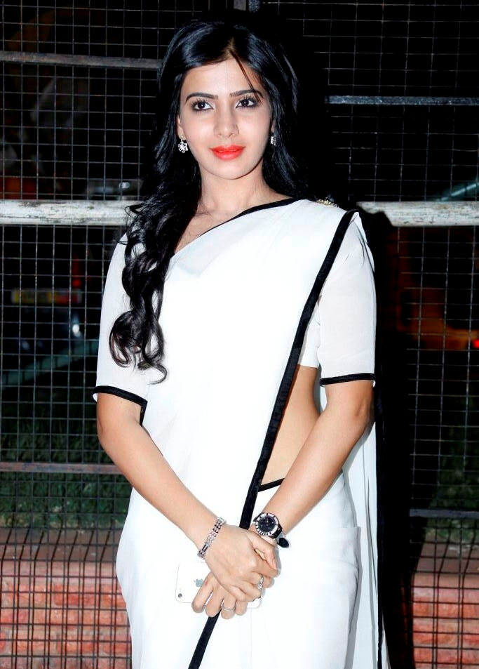 Samantha Hot In Navel Show Photos White Saree