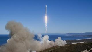 SpaceX Akan Bawa Wisatawan ke Bulan, Begini Caranya