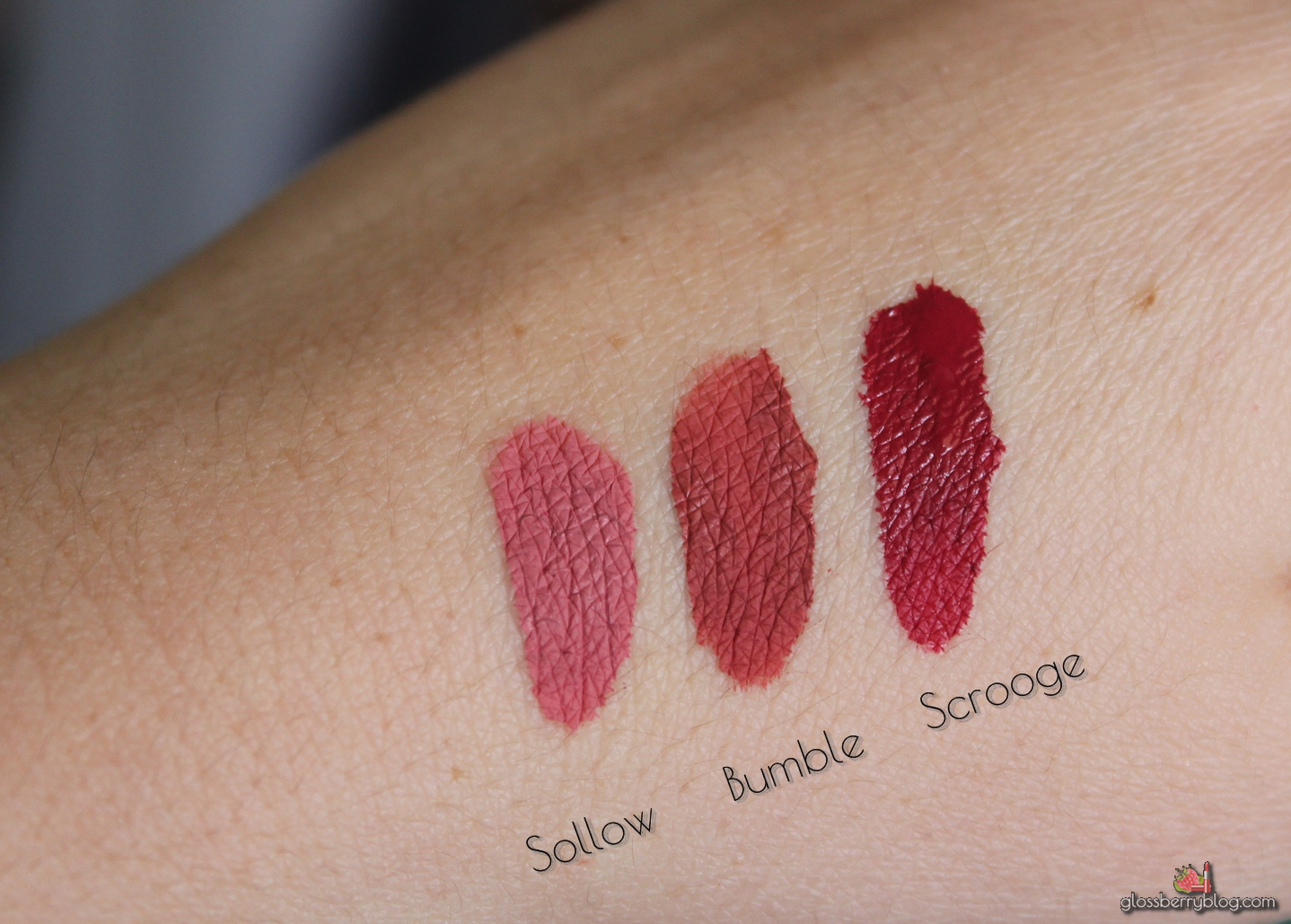 colourpop ultra matte lip lipstick lipcolor solow scrooge bumble nude sollow review swatchesק קולור פופ קולורפופ שפתון נוזלי מאט סקירה המלצות גלוסברי בלוג איפור וטיפוח