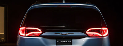 Chrysler Pacifica rear light on mode Hd pictures 0