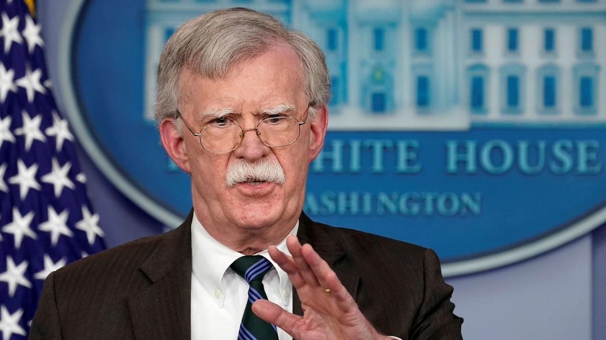 """EEUU asegura que la cúpula militar chavista """"está negociando con la oposición"""" la salida del poder de Maduro"""