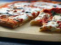 Eat Authentic Italian Pizza at Italian Pizza Kitchen Roselle