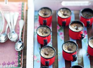 http://revistacasaejardim.globo.com/Casa-e-Comida/Receber-com-charme/noticia/2014/10/alem-do-cafe-tres-receitas-de-caneca.html