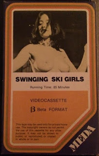 Swinging Ski Girls (1975)