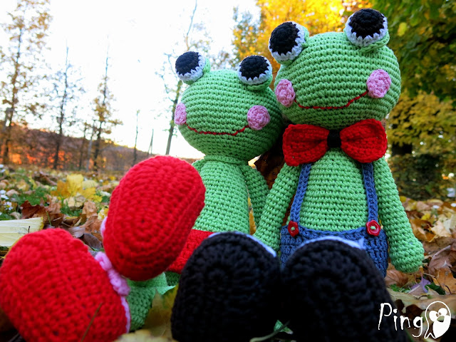 Abby and Robin, crochet frog pattern by Pingo - The Pink Penguin