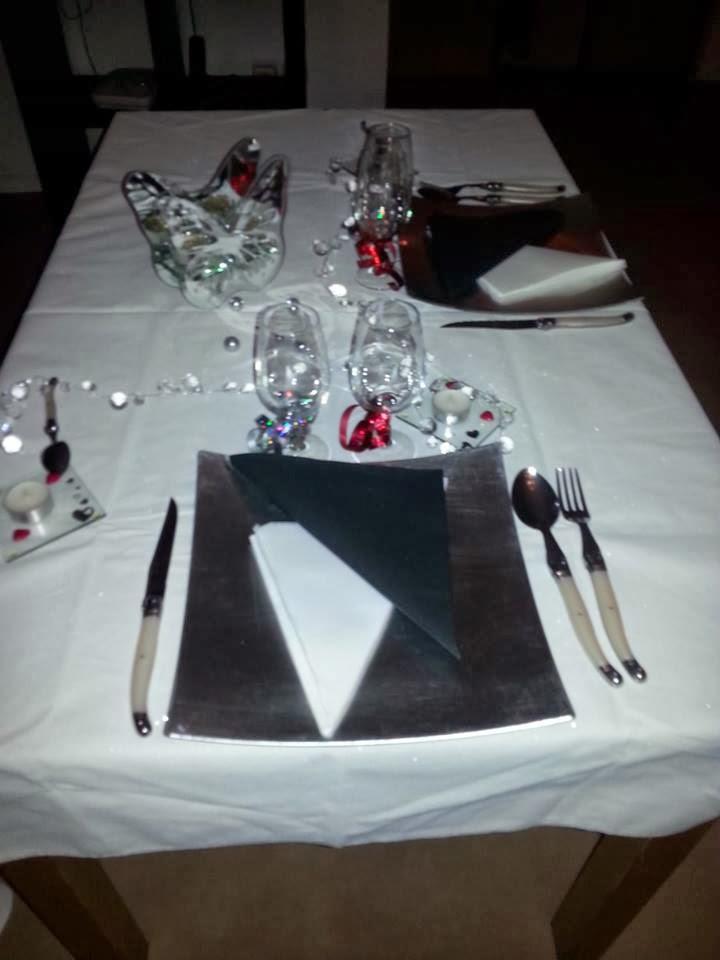 table pour diner en amoureux images. Black Bedroom Furniture Sets. Home Design Ideas