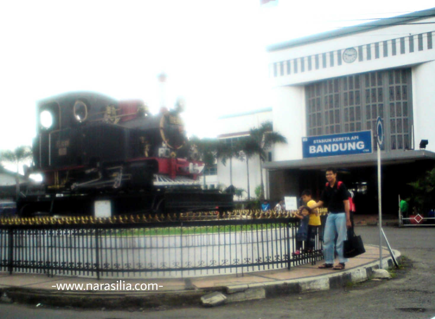 Naik Kereta Ke Tempat Wisata Murah Dekat Stasiun Bandung