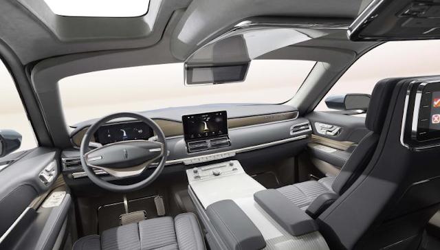 2017 Lincoln Navigator Interior