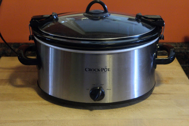 The crock pot with the lid on it.