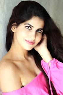 Sakshi Malik Cute Actress from Sonu ke tu ki Sweety Bom Diggy Diggy Girl Song