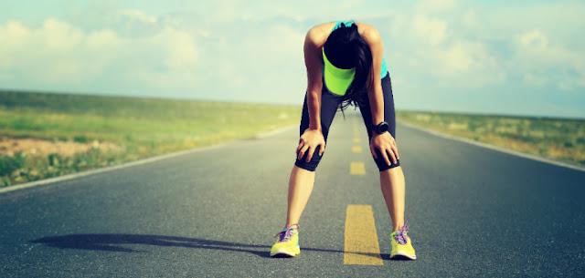 Como a cafeína melhora o desempenho do exercício?