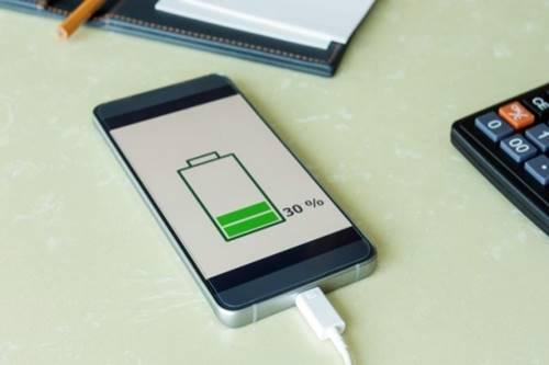 Por que as baterias perdem a capacidade de carga com o passar do tempo?