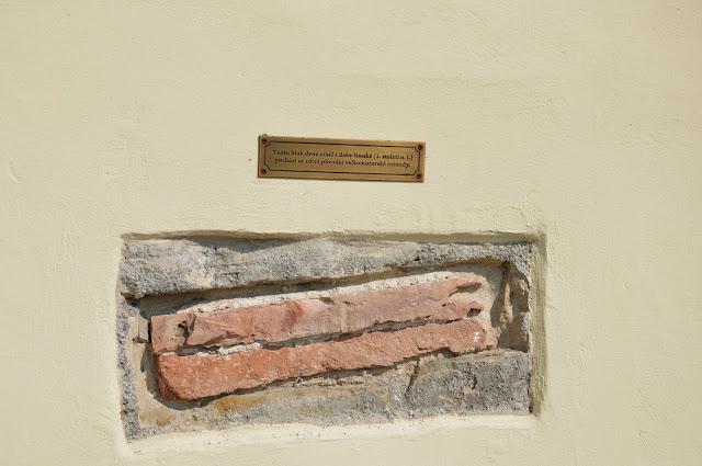 Staré Město, Uherské Hradiště - kościól św. Michała Archanioła - wtórnie użyta cegła rzymska