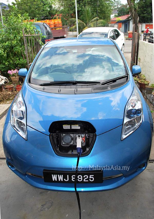 Malaysia Nissan Leaf Charging