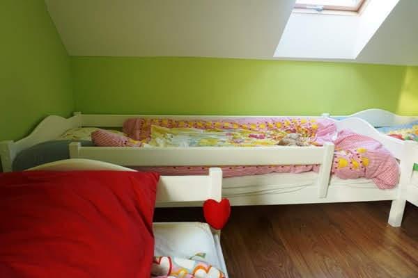 łóżeczko białe 90x200 z barierkami, wspólny pokój