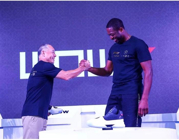 Dwyane Wade firma un acuerdo de por vida con la compañía Li-Ning