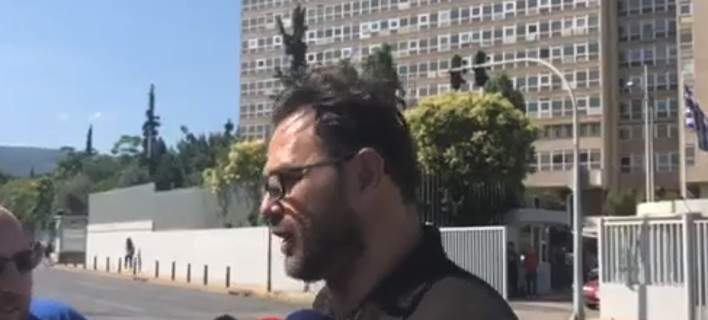 Πρόεδρος Αστυνομικών Υπαλλήλων για την επίθεση Ρουβίκωνα: οι αστυνομικοί θα μπορούσαν να χρησιμοποιήσουν και τα όπλα τους [βίντεο]
