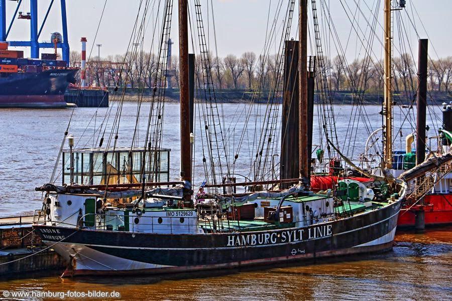 Historisches Segelschiff Undine im Museumshafen Oevelgönne