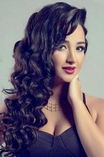 دعاء حكم (Doaa Hakam)، عارضة أزياء ومغنية مصرية