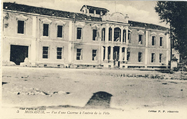 Craft and art school in 1917, abandoned and without windows