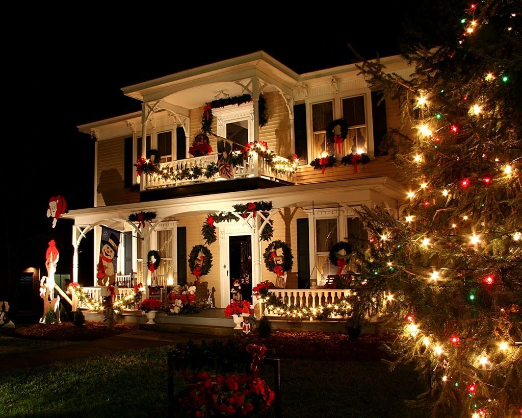 butterflybyways mcadenville christmas town usa. Black Bedroom Furniture Sets. Home Design Ideas