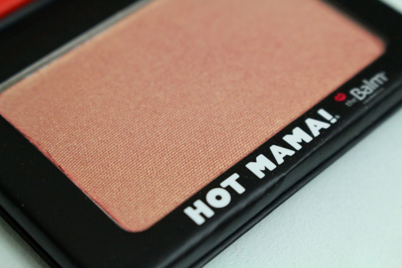 resenha Blush Hot Mama The Balm