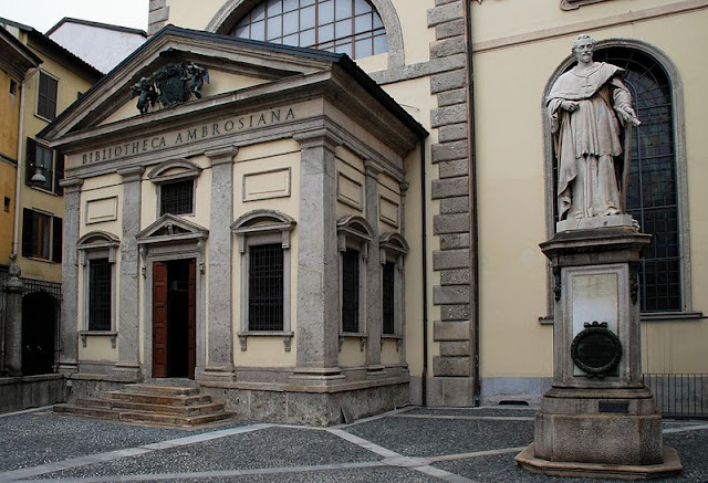 The Biblioteca Ambrosiana or Ambrose Library. Photo: Elekhh.