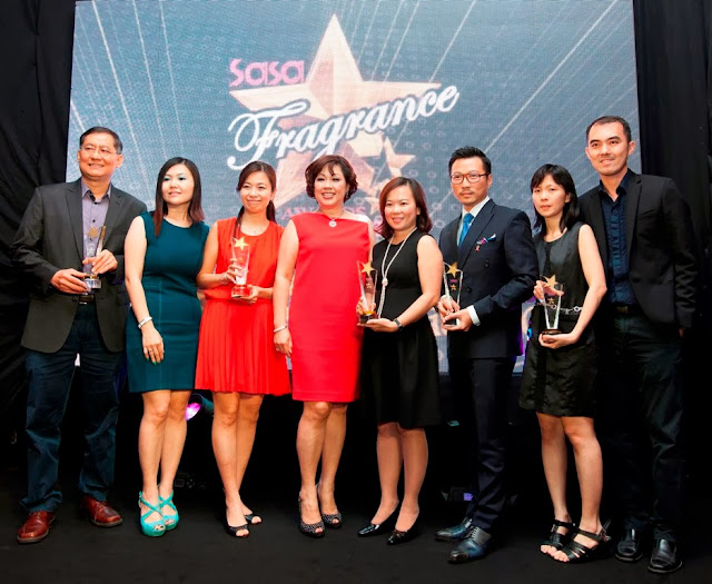 Sa Sa Annual Fragrance Fair and Awards, Fragrance,Mr. Albert Ding, Assistant General Manager of Prestige Products (M) Sdn Bhd; Ms. Alice Lau, Sa Sa Director of Category Management & Product Development; Ms. Janet Loh, General Manager of Luxasia (M) Sdn Bhd; Ms. Corina Loi, Sa Sa Senior Vice President & Country Head; Ms. Thong Phooi San, Prestige Business Leader of P&G; Mr. Mike Liew, Brand General Manager of Estee Lauder; Tracy Chung, Sa Sa Fragrance Category Manager & Mr. Ignatius Tee, Sa Sa Director of Operations and Training