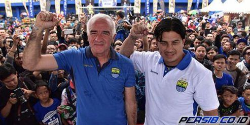 Resmi Dikenalkan, Mario Gomez Ajak Bobotoh Bangun Persib Bandung